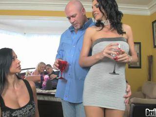 Super hawt couples deciding на какво към правя в техен секс парти!