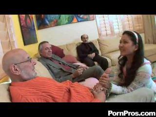 Amatør suging multiple dicks