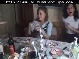 Russisch students sex orgie teil 1 russisch cumshots schlucken