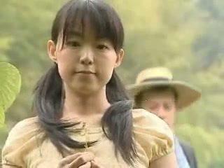 Jaapani tüdruk perses väljaspool