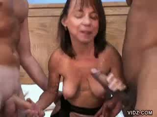 Dwarf Vixen in interracial Three Some sucking