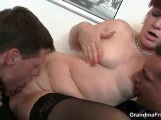 ออฟฟิศ ผู้หญิงสำส่อน swallows two dicks