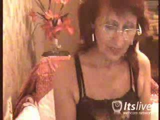 brandus, pagyvenusi ponia, patyrę moterys