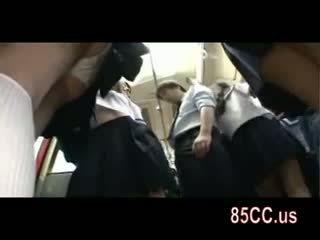 Збуджена школярка спокушати офіс workers на автобус