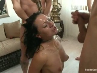 Sandra romain coquette mempunyai cumming drops daripada yang pedas chaps