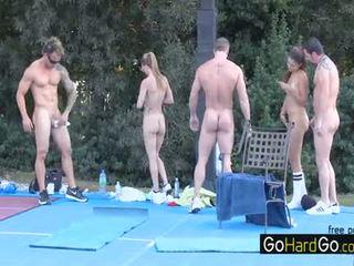 nhóm quan hệ tình dục nóng, bộ ngực to đầy đủ, xem doggystyle tất cả