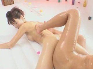 Asia lesbian nglengo and having bayan video