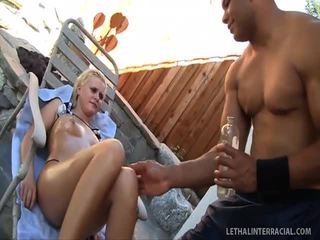 Kelly Summer Gets Cum Hole Stretched Wide