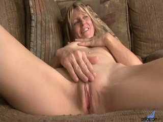 Learner Milf Berkley Receives Inside Nature's Garb And Inserts The Toy For Peak