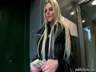 tyttö, eurooppalainen, julkinen, blondi