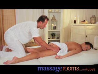 การนวด rooms เซ็กซี่ แบบ gets expert การรักษา และ has ลึก ฮาร์ดคอร์ ออกัสซั่ม