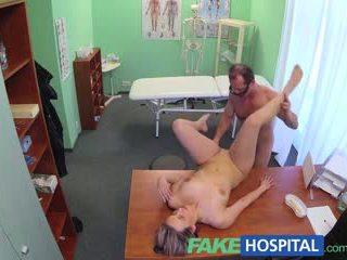 Fakehospital חדש רופא gets חרמן אמא שאני אוהב לדפוק עירום ו - רטוב עם desire