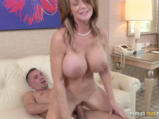 Mami watches disa entrancing porno dhe gets e prapë