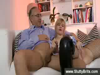 Kinky Blondeee babeyr gives a Blow Job