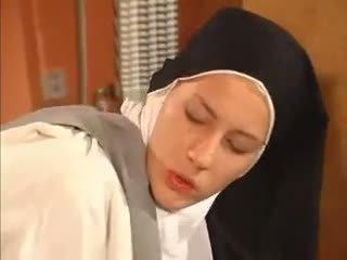 Märg tuss nunn anaal perses poolt the priest