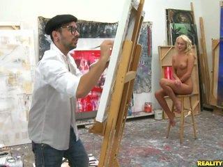 An artist näköinen varten a malli kohteeseen paint