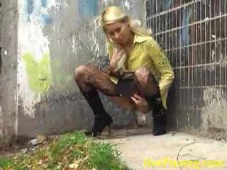 Murdar pisare blonda liking ei obraznic muncă