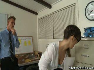 어떤 사무실 섹스 이상