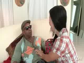 Slutty housekeeper blowing öğürerek bbw metres cocks en ev