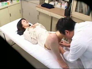 Збочений лікар uses молодий пацієнт 02