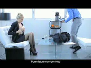 Puremature julia anns セクシャル ビジネス ミーティング