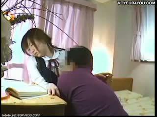 Japán tanuló orális szex oktató