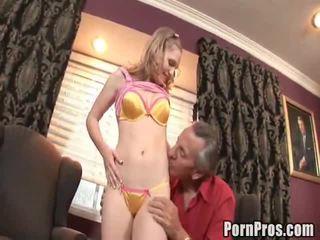 Doxy bonks її старий непристойний lawyer для допоможіть її справа.