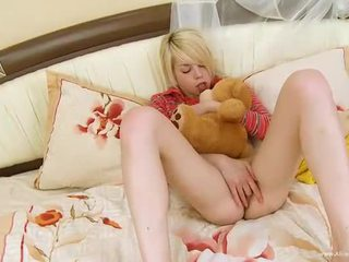 new orgasm, clitoris nice, hot shaved pussy