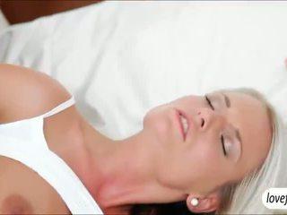 Sizzlin kuum rinnakas beib jessie jazz steamy seks pärast bath