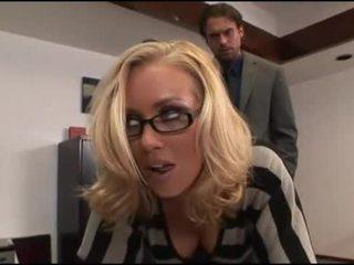 Nicole aniston pisarna