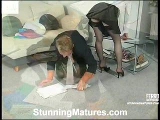 ร้อน เพศไม่ยอมใครง่ายๆ, พรผู้ใหญ่, ถุงเท้าเพศ