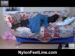 Vivian und nicholas nylon footfuck video