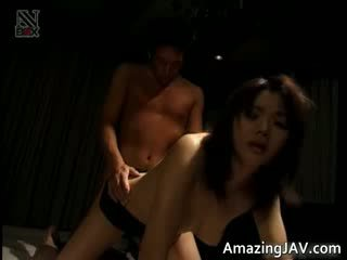 Hot jap model getting her hairy