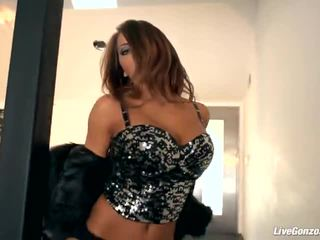 Livegonzo madison ivy 华丽 孩儿 gets 性交