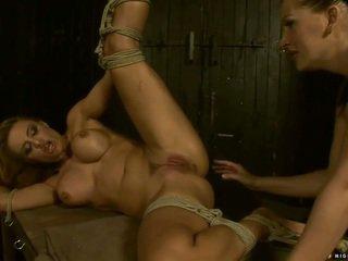 ভদ্রমহিলা punishing এবং হাতের ব্যাবহার দুধাল মহিলা slavegirl