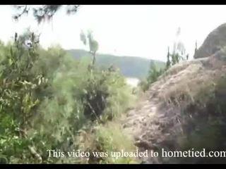 Fiatal amatőr vad fasz míg mountain hiking