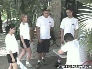 Sıcak latince çıplak gençler kaslı asyalı kız öğrenci