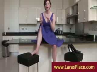 Läkkäämpi nainen takes stranger koti varten a sexxx session
