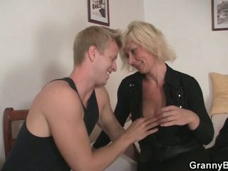blondes, grandma, moms and boys