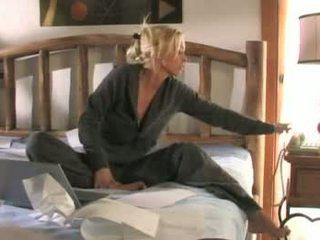 Justine joli এবং brittney skye - সুন্দরী lies