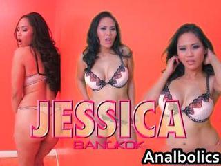Asiatico lesbica coppia kiss e spettacolo spento