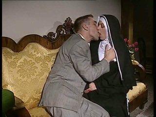 수줍은 수녀 gets 그녀의 바보 엿 과 얼굴 spermed