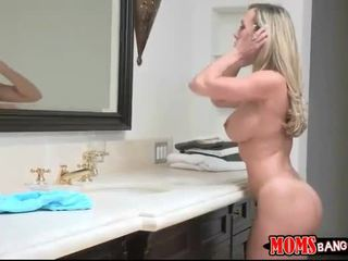 Stepmom And Youngster Woman Share Bf