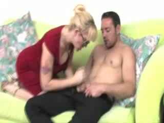 Milf in spex tugs dong for lucky guy and wants his cum