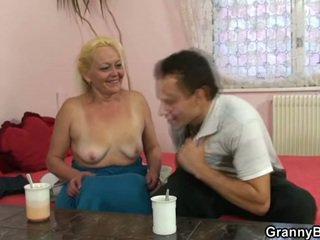 Blonde granny gets her hairy pussy slammed