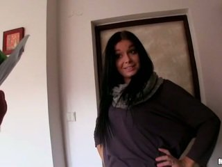 Czech girl Vikky banged in her apartment