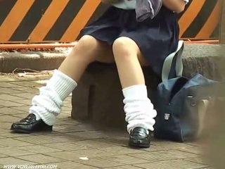 Schoolgirls underpanties