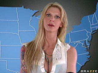 Порно звезда uniforms момичета