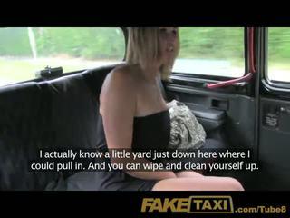 Faketaxi abielus naine teeb üles jaoks kusemine edasi taxi seats