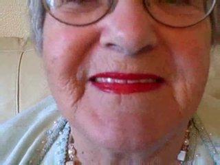 Perempuan tua puts di dia lipstik kemudian sucks muda kontol video